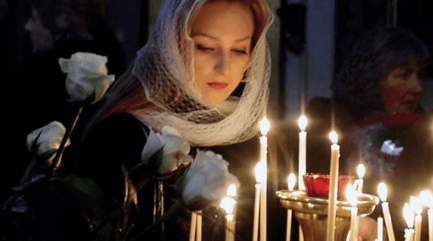 Зачем и как ставить свечи в Храме