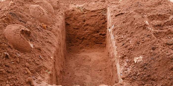 Глубина могилы: требования и необходимость
