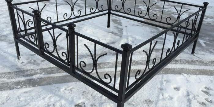 Как выбрать ограду на кладбище