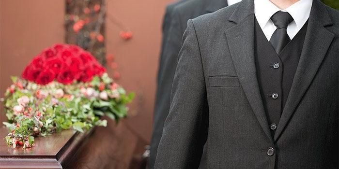 Как одеться на похороны